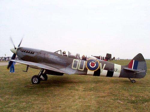Supermarine Spitfire ML-407